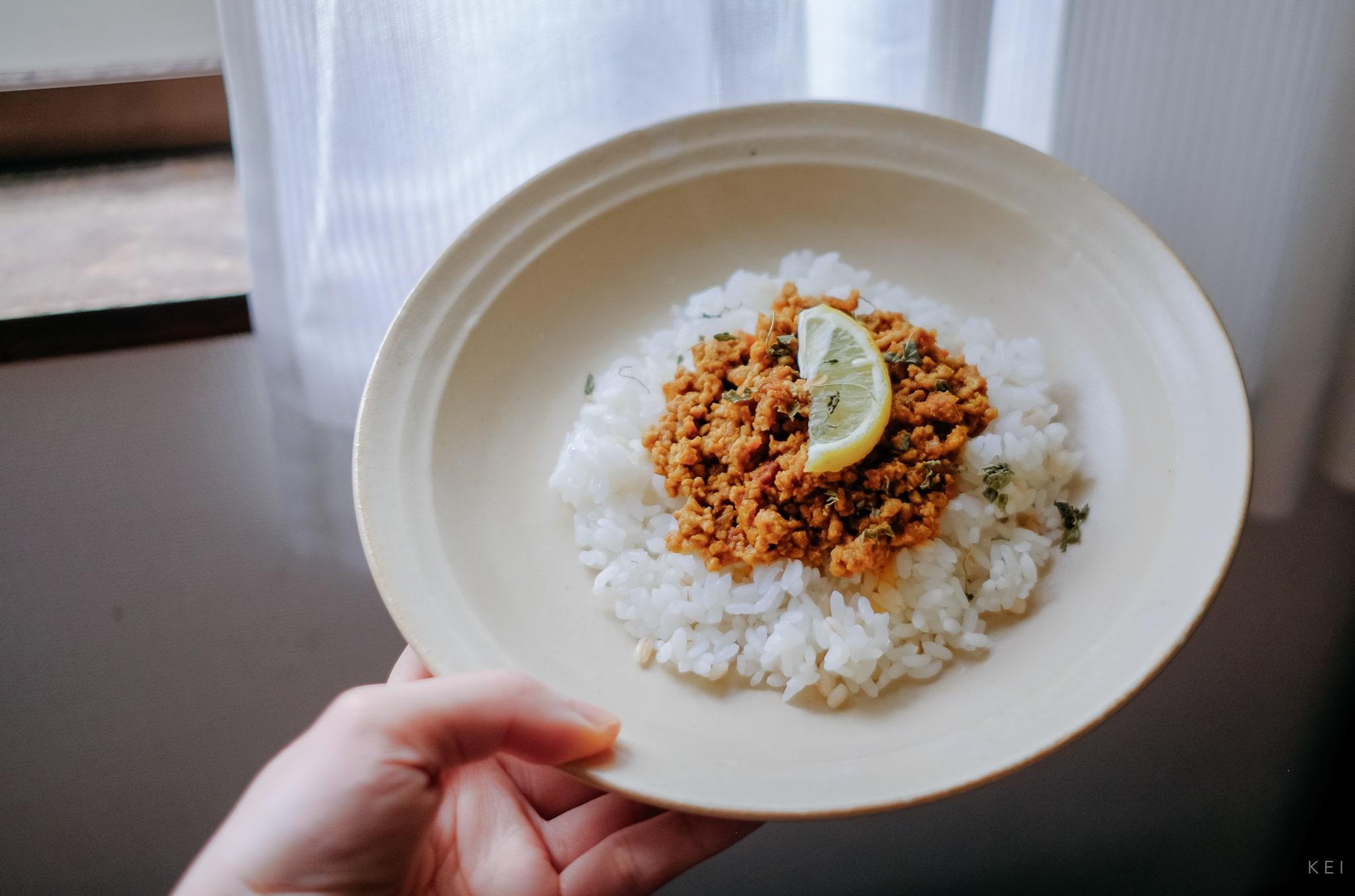 用咖哩粉做的無水絞肉乾咖哩