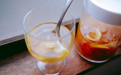 [食譜] 自製薑糖漿,簡單又萬用—薑汁紅茶、薑汁汽水做法